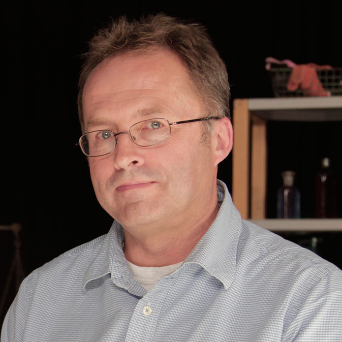 Prof. Julian Thomas